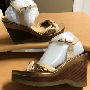 Cole Haan Wedge Sandal Gold Tan Leather 9